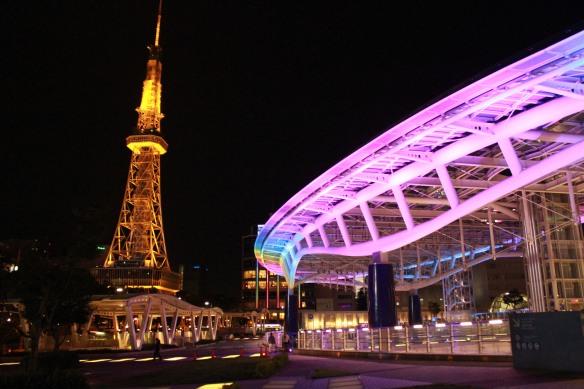 Nagoya TV tower dan Oasis 21 di daerah Sakae