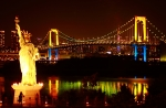 Rainbow Bridge dan replika patung Liberty di Odaiba