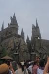 Antrian di depan gerbang Hogwarts Castle
